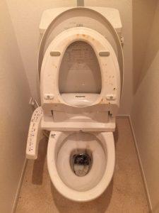 トイレクリーニング作業前
